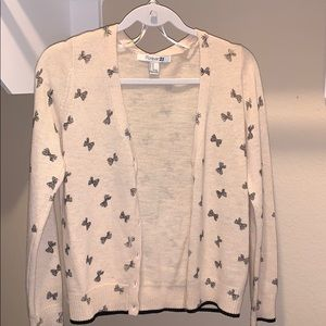 Cardigan with bows!